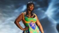 Versace Cetak Sejarah, Tampilkan Model Plus Size di Milan Fashion Week