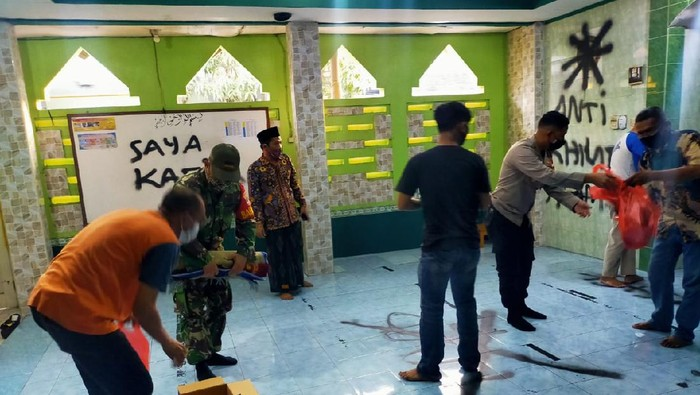 Musala dicoret di Tangerang
