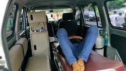 Pelanggar Protokol Kesehatan di Ciamis Dihukum Tidur Dalam Ambulans