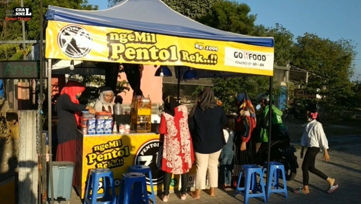 Ifa, Penjual Pentol Cantik di Gresik
