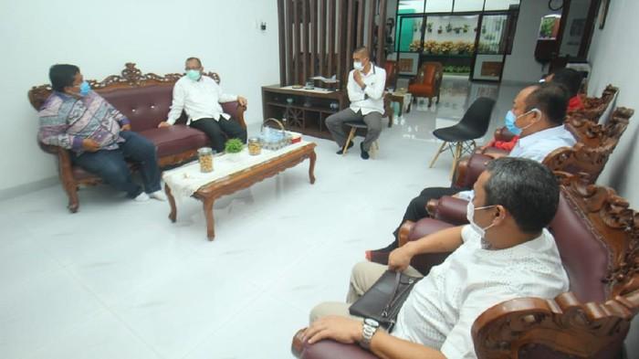 Pertemuan Akhyar sama ikatan alumni UMSU