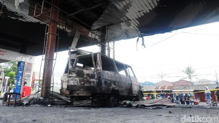 SPBU Sawangan, di Wonosobo ludes terbakar. Api diduga berasal dari mobil yang tengah mengisi bahan bakar minyak (BBM).