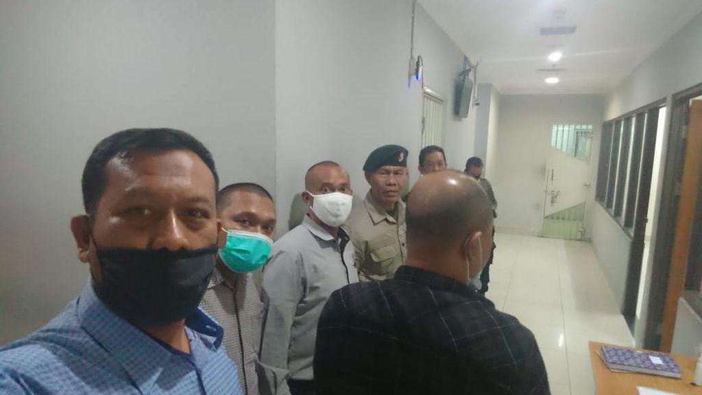 Usai Hadiri Pemakaman Istri di Bandung, Ruslan Buton Kembali ke Rutan
