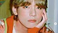 8 Foto Ganteng V BTS Kim Taehyung di Video Dynamite, Cocok Buat Wallpaper