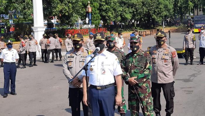 Anies Pimpin Apel Pasukan Siaga Banjir Jakarta