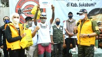 Bareng Ormas, Ketua MPR Beri Donasi Rp 150 Juta ke Korban Banjir Sukabumi