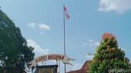 Bendera di Monumen Juang 45-Pemkab Klaten Dikibarkan 1 Tiang Penuh Hari Ini
