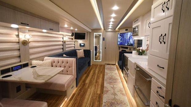 Bus Mewah Bekas Taylor Swift-Beyonce, bisa disewa traveler