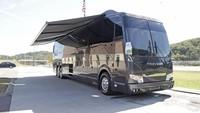 Hemphill Brothers saat ini mempunyai 115 unit bus mewah yang siap disewakan buat traveler. Bagaimana traveler, tertarik menyewa bus-nya Beyonce atau Taylor Swift?