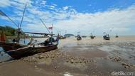 Foto-foto Air Laut Surut di Pantai Jepara