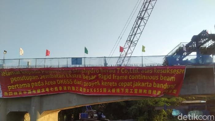 Jembatan di proyek kereta cepat Jakarta-Bandung