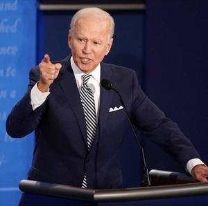 Panasnya Debat Capres AS, Dasi Joe Biden Bikin Salah Fokus