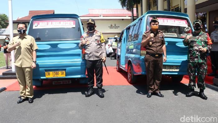 Kapolda Sulut Irjen Panca Putra bersama TNI dan Pemprov Sulut mengkampanyekan protokol kesehatan