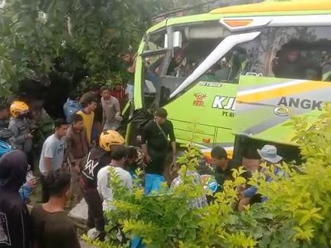 Kecelakaan beruntun lima kendaraan di Wonosobo, Rabu (30/9/2020).