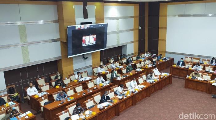 Komisi I DPR gelar rapat membahas kerja sama pertahanan RI-Swedia bersama Menhan Prabowo Subianto yang hadir secara virtual, serta perwakilan Kemenkumham dan Kemenlu.