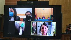 Video Tangis Lucinta Luna Pecah saat Divonis 1,5 Tahun Penjara