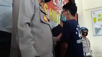 Video Tangis Pencoret Musala Saya Kafir di Kantor Polisi