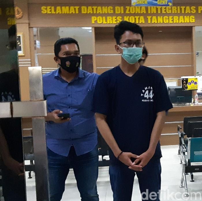 Satrio Katon Nugroho, pelaku pencoretan Musala Darussalam di Pasar Kemis, Tangerang, meyakini bahwa aksinya tersebut sebagai kebenaran.