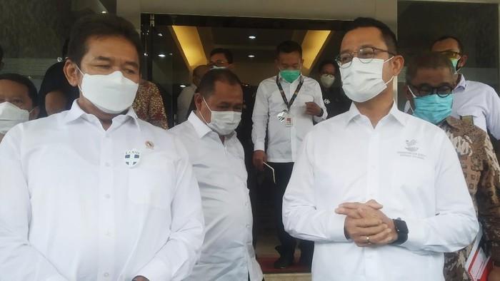 Mensos Juliari dan Jaksa Agung ST Burhanuddin (Wilda-detikcom)
