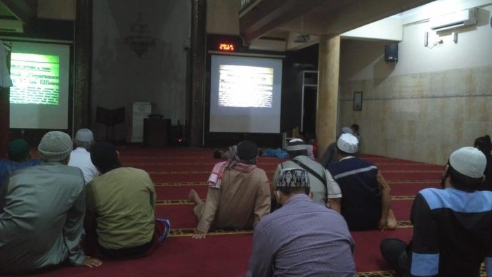 nobar film g30s pki di masjid