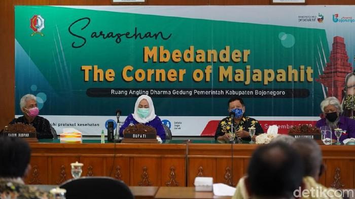 Pemkab Bojonegoro menggelar sarasehan dengan tema Mbedander The Corner of Majapahit di Gedung Angling Darma. Kegiatan ini menggali bukti secara ilmiah maupun penelurusan terkait legenda di tengah masyarakat.