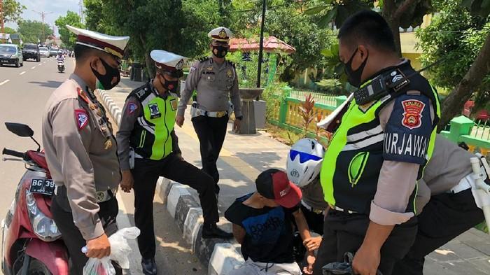 Pemotor di Sumsel ditangkap karena bawa sabu