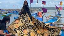Hari Batik Nasional, Anne Avantie Gandeng Susi Pudjiastuti Pemotretan Batik
