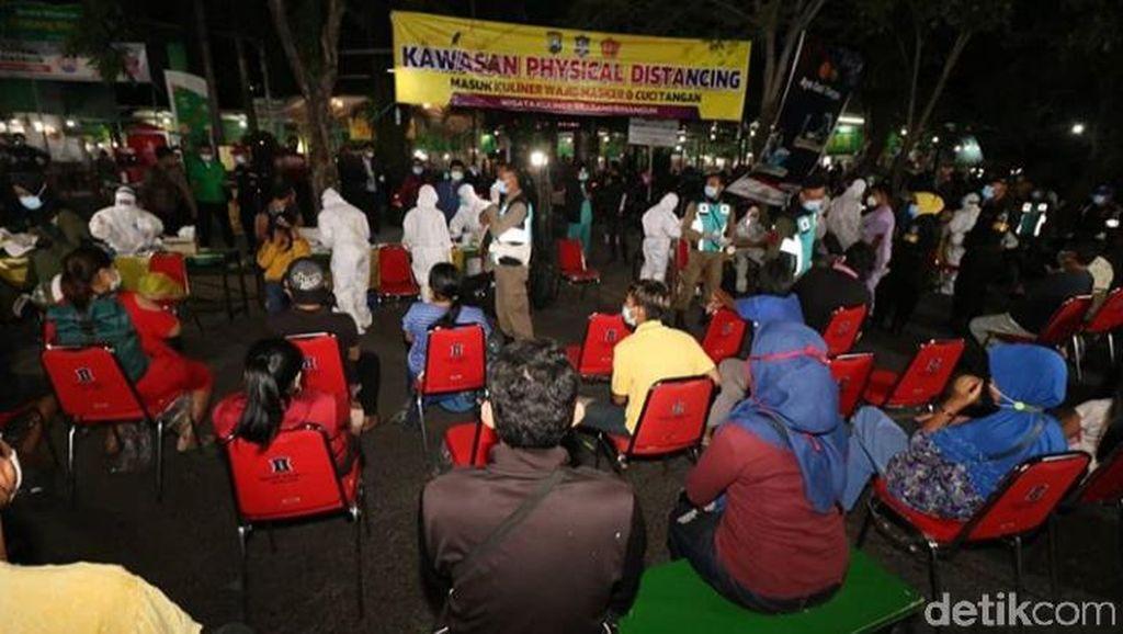 201 Pedagang dan Pembeli di Sentra Kuliner Surabaya Rapid Test, Hasilnya Negatif