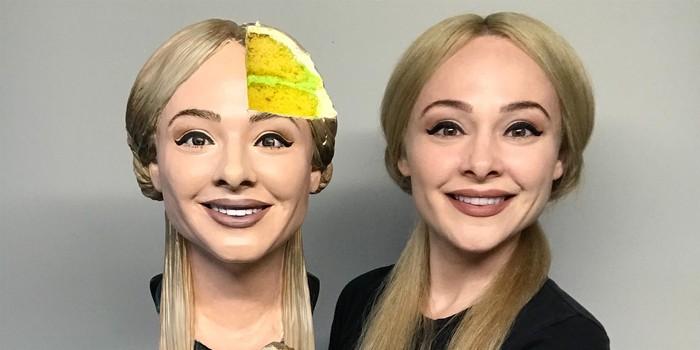 Baker Bikin Realistiv Cake Bentuk Wajahnya Sendiri