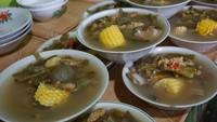 Slurpp! Sayur Asem yang Pedas Segar Jadi Primadona di 5 Warung Ini