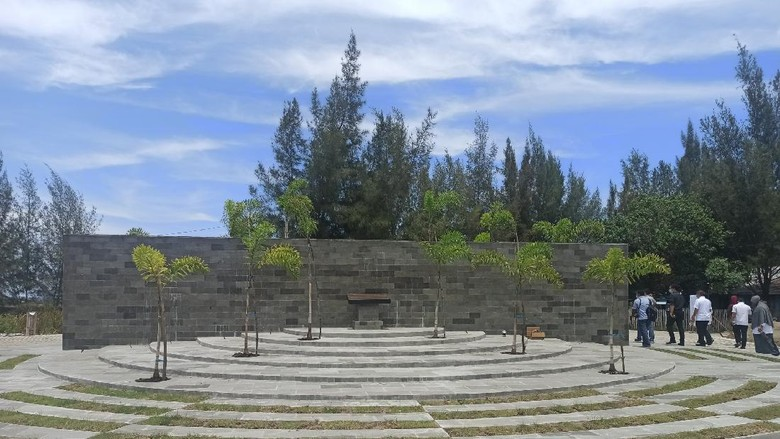 Tugu Titik Nol Kilometer Banda Aceh