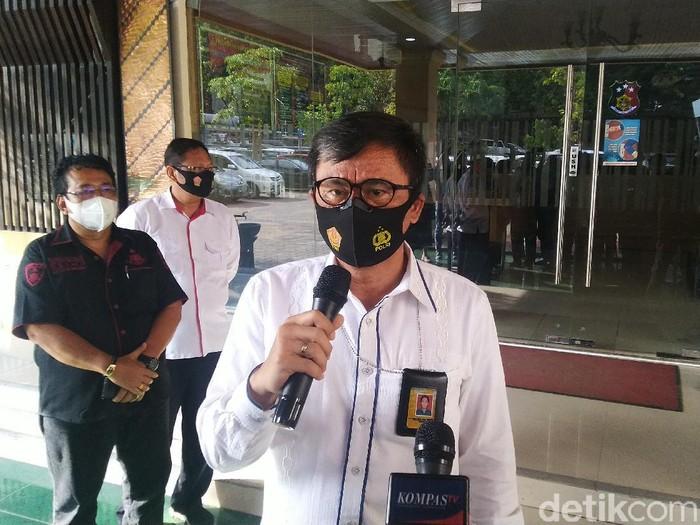 Wakil Ketua DPRD Kota Tegal Wasmad Edi Susilo diperiksa sebagai tersangka kasus dangdutan di tengah pandemi di Polda Jateng, Semarang, Rabu (30/9/2020).