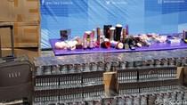 Ratusan Sex Toys, Kondom, dan Jutaan Rokok Dimusnahkan di Solo