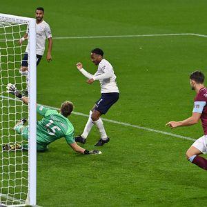Piala Liga Inggris: Man City Gilas Burnley 3-0