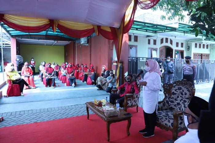 Calon Bupati Serang Ratu Tatu Chasanah menggelar kampanye di sejumlah desa di Kecamatan Ciruas, Kamis (2/10/2020).