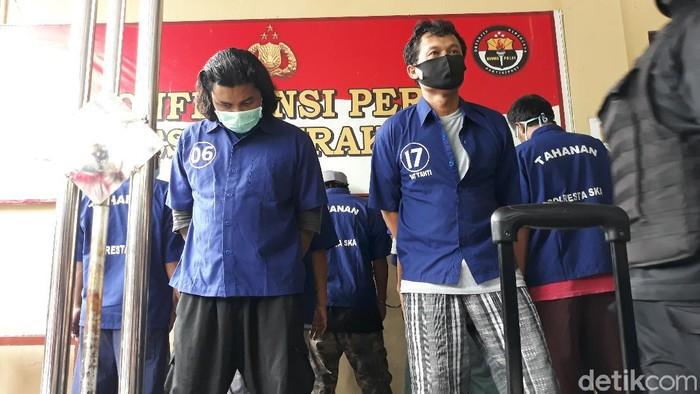 Dua tersangka baru kasus penyerangan acara doa jelang pernikahan putri Habib Umar Assegaf di Solo, Kamis (1/10/2020).