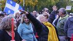 Ikut Demo Antimasker, Orang-orang Ini Pakai Masker Aneh