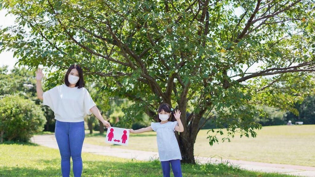 Ingat Pesan Ibu, Jaga Jarak Penting di Masa Pandemi!