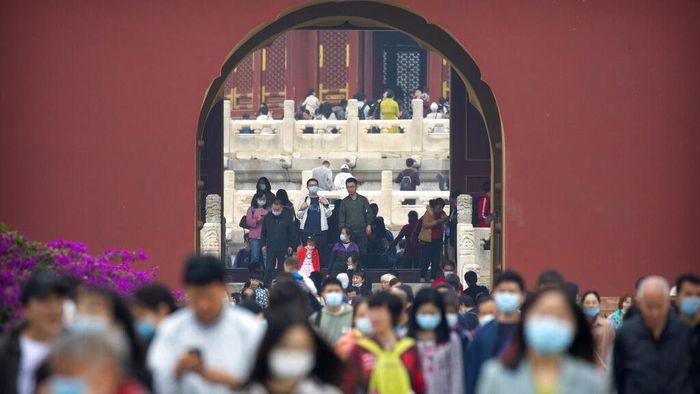 Libur Hari Nasional China, dimanfaatkan warga di Negeri Tirai Bambu untuk berwisata. Sejumlah objek wisata di kawasan Beijing pun ramai dikunjungi warga.