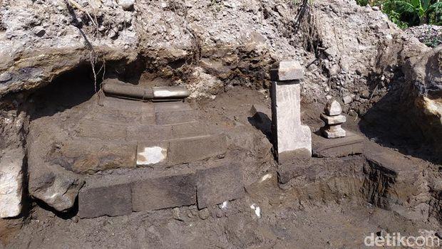 Lokasi penemuan struktur batu andesit diduga candi di lereng Gunung Merapi-Merbabu