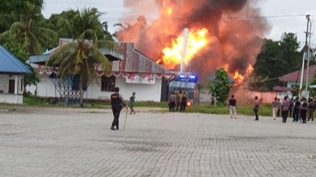Rusak Kantor Bupati Keerom Papua-Bakar Gedung Disnaker, 4 Orang Ditangkap