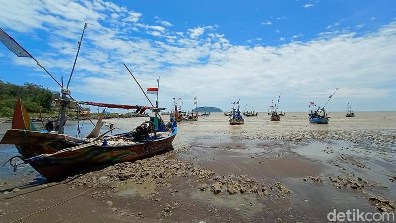 Pantai di Jepara.