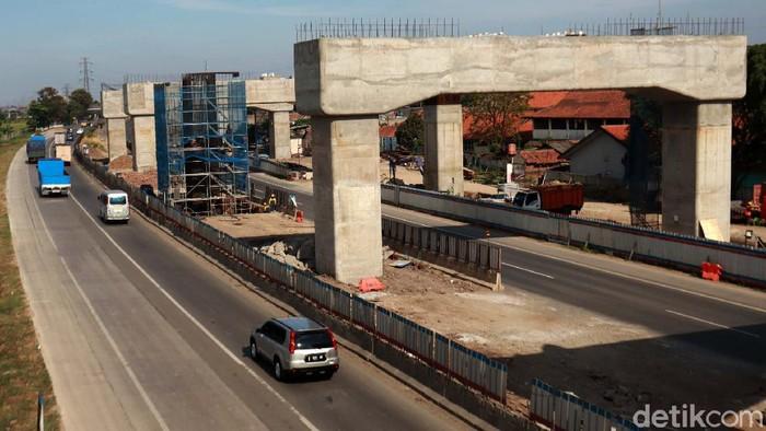 Proyek kereta cepat Jakarta-Bandung (JKT-BDG) terus berjalan pembangunannya. Saat ini total progres kereta cepat ini mencapai 60%.