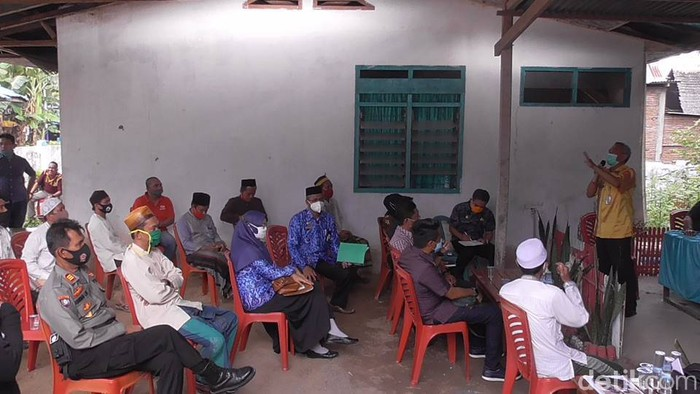 Rapat Covid-19, Pondok Pesantren (Ponpes) Salafiyah Parappe. (Abdy Febriady/detikcom)