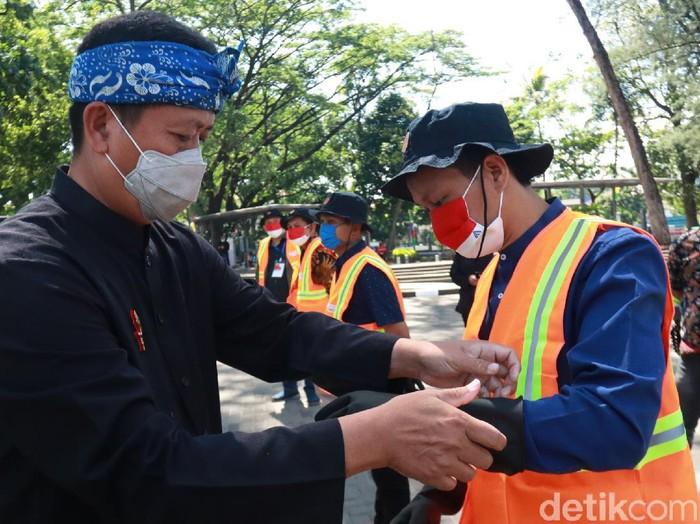 Sekda Bandung Ema Sumarna.