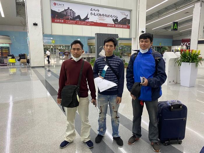 Tiga WNI ABK di kapal China yang sempat minta tolong Presiden Jokowi, kini pulang ke RI. (Dok KJRI Guangzhou)