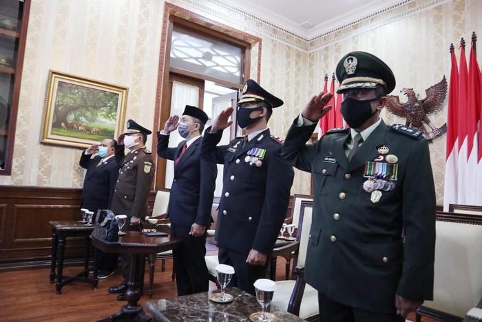 Pemerintah Kota (Pemkot) Bogor menggelar Upacara Peringatan Hari Kesaktian Pancasila tahun 2020 secara virtual di Paseban Punta, Balai Kota Bogor, (2/10/2020).