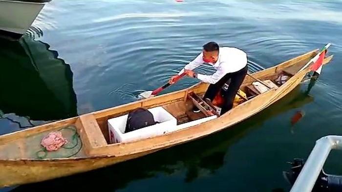 Anak nelayan di Maros gunakan perahu tradisional untuk berangkat tes prajurit TNI AL