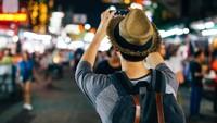 5 Tips Foto Malam Hari Pakai Kamera HP, Makin Gampang!