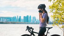 Beda dari Anjuran WHO, Riset Ini Sebut Pakai Masker Aman untuk Olahraga